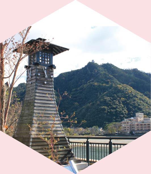 長良橋北詰 川灯台(時計台)